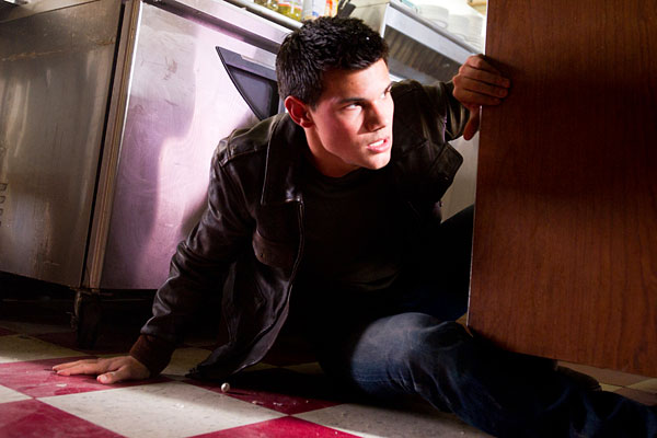 Abduction, con Taylor Lautner