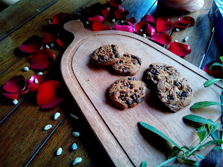 Foodie_workshop_food_photography_foodgasm_foodporn_love_likes_martografi_ukp_universitas_kristen_petra_university_college_life_love_likes_follow_christian_friendship_foodies_photography_contest_onthetable_hashtag_sister_brother_participants_chippeido_cookies_chocolate