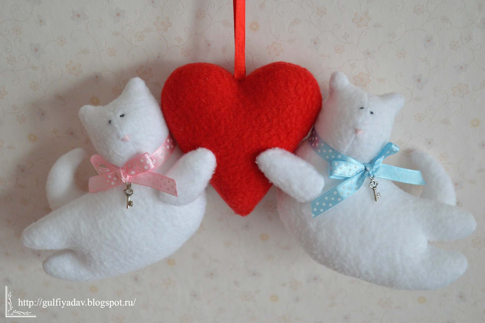 Сшить игрушку с сердечком своими руками 36