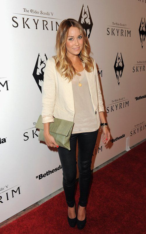 http://www.popsugar.com/fashion/Pictures-Lauren-Conrad-Style-13596232#photo-13596781