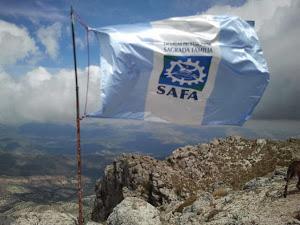 Bandera de Safa en la cima de la Tiñosa