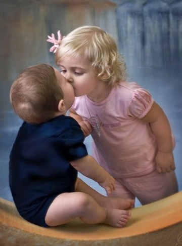 Wallpaper Love couple Baby : Latest USA Trend News: Tagged with cute baby kiss