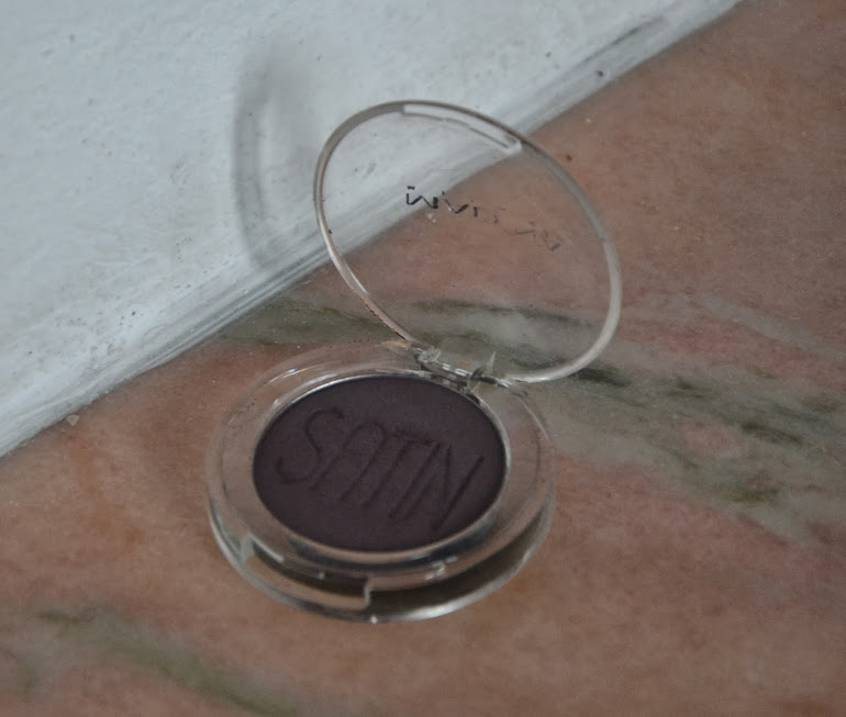 Review: Madina Satin Dreams Eyeshadow in Violet Hill