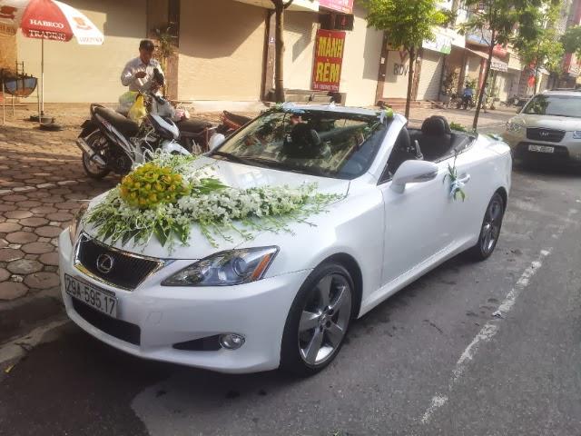 Cho thuê xe cưới mui trần Lexus IS250 tại Đức Vinh