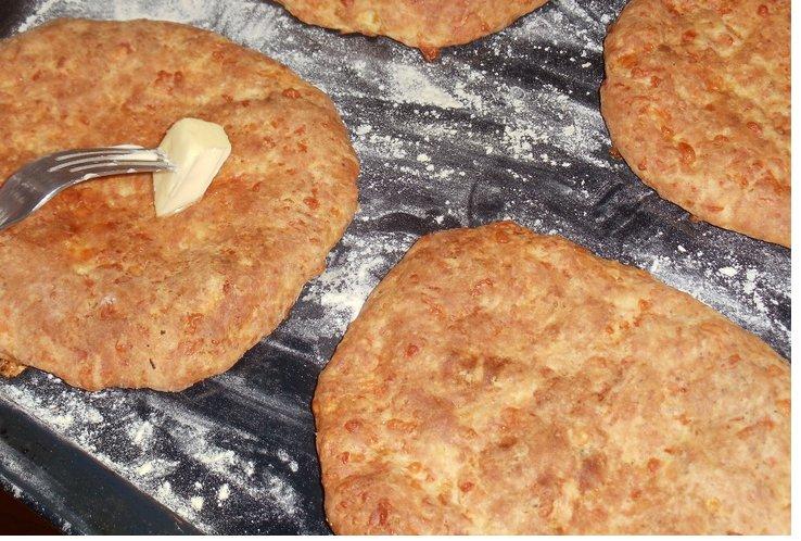 Рецепт лепешки с сыром на молоке