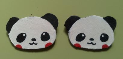 Broche cartón oso panda