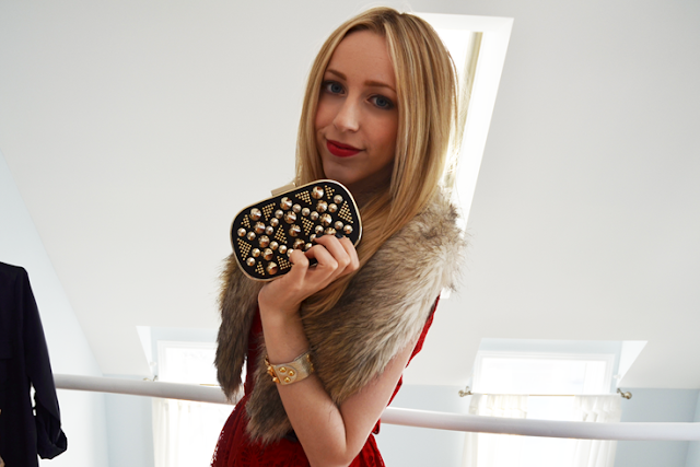 what to wear nye 2013 red lace faux fur stole aldo studded clutch nine west high heels