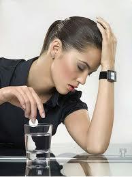 الارهاق المزمن..اسبابه وعلاجه - امرأة متعبة مرهقة منهكة