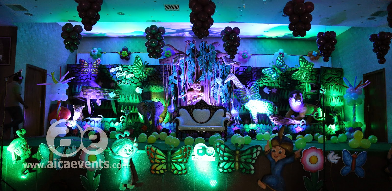 Beautiful Jungle Themed Wedding Composition Blue Wedding Color