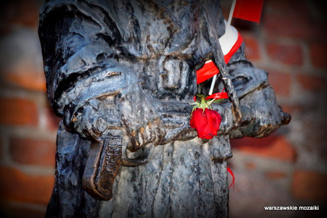 Warszawa Stare Miasto Jarnuszkiewicz rzeźba pomnik brąz