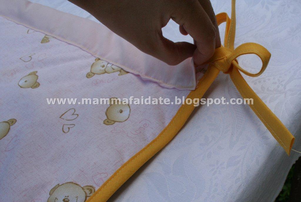 Mamma fai da te pannello per la cameretta di una bimba - Vi si confezionano tappeti da appendere al muro ...