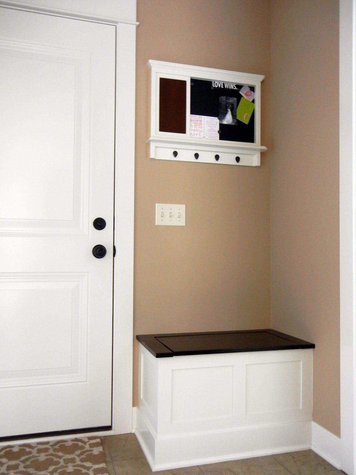 Entryway Storage Idea - Davotanko Home Interior