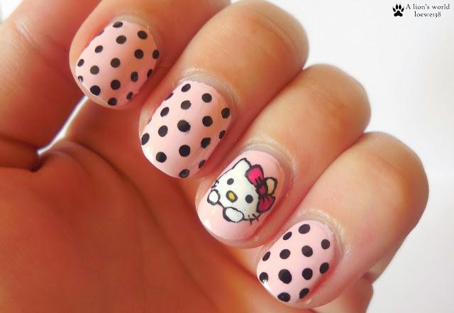 Hello Kitty Nailart