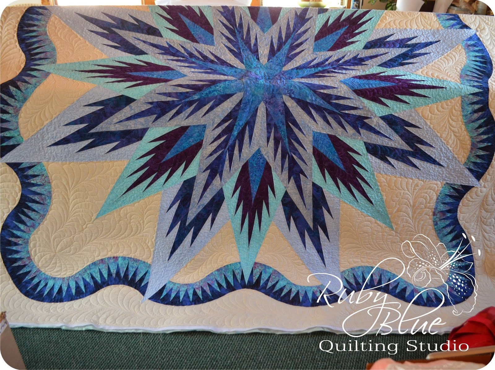 Ruby Blue Quilting Studio: Machine Quilting: Feathered Star Queen : feathered star quilts - Adamdwight.com