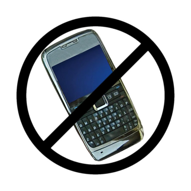 cell phone with banned sign