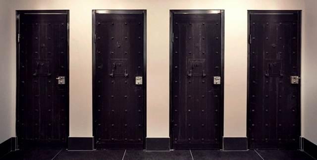 pintu-masuk-bilik-penjara