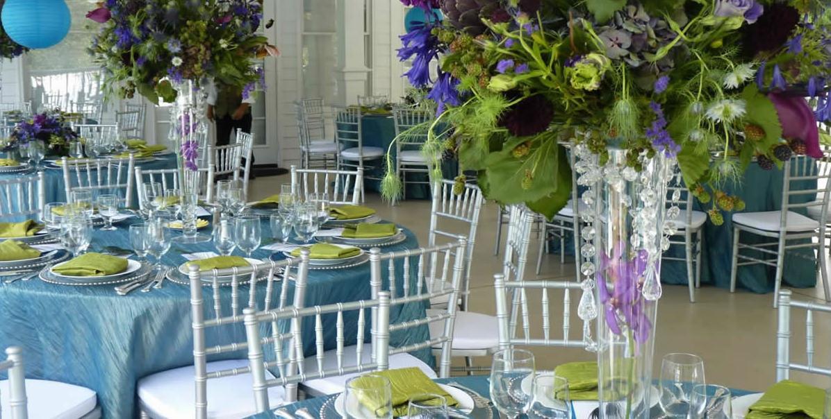 renta de mesas y sillas para fiestas y eventos en los