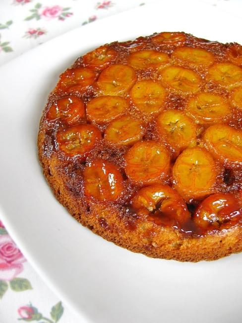 caramel banana upside down cake