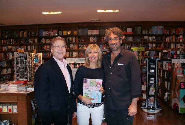 Con el presidente de Books & Books Mitchell Kaplan y Alex Correa presidente de Lectorum