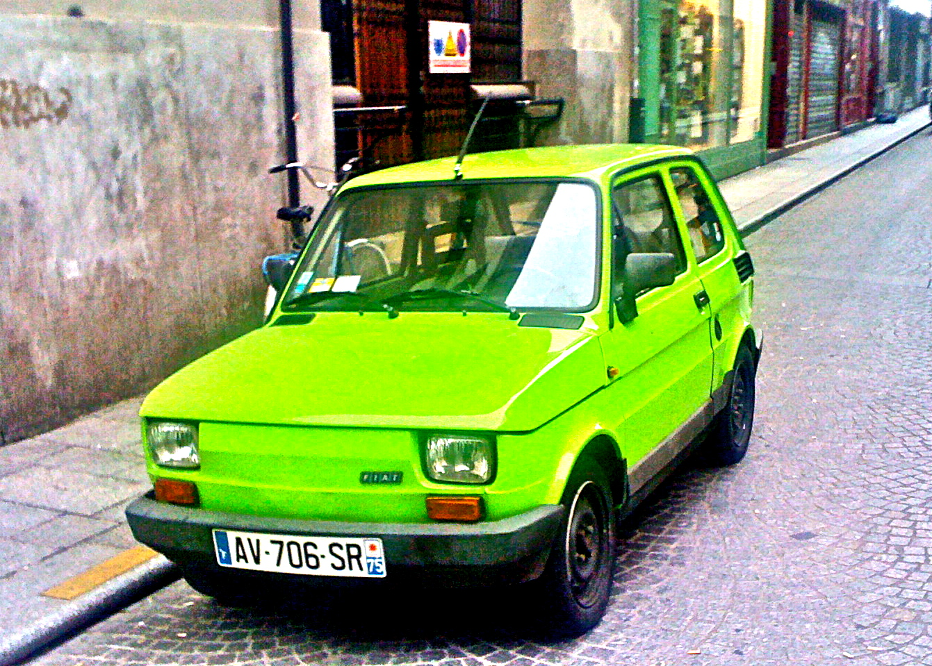 mangez des pommes vertes fiat 126 cars in the city. Black Bedroom Furniture Sets. Home Design Ideas