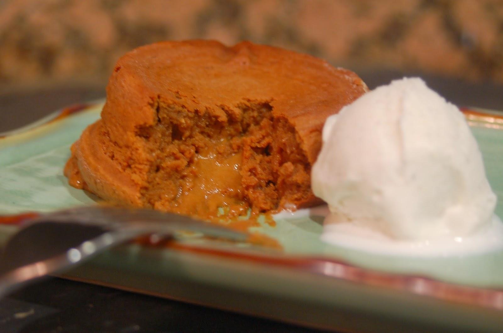 Eating Suburbia: Week 15: Molten Dulce de Leche Cakes