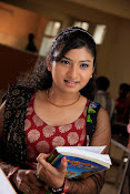 Vishnu priya photos from 21st century Love-thumbnail-10