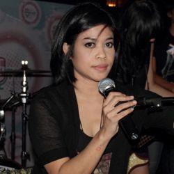 mantan vokalis coklat, Serasa lyrics