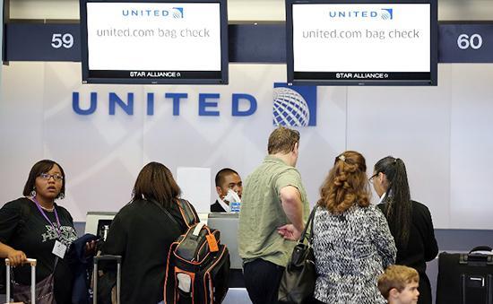 Американская авиакомпания United Airlines отменила рейсы по всему миру