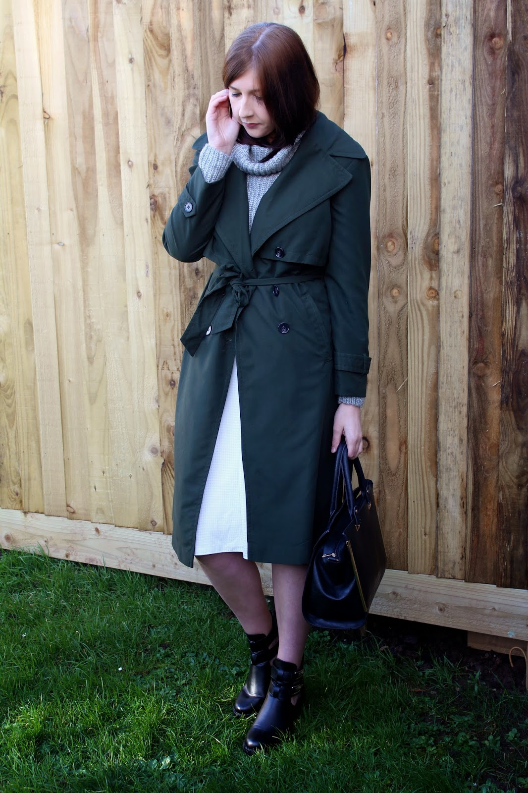asseenonme, wiw, whatimwearing, primark, newlook, shoezone, ootd, outfitoftheday, ootd, lookoftheday, lotd, trenchcoat, fbloggers, fblogger, fashion, fashionbloggers, fashionblogger, whiteskirt, winterfashion, rollneckjumper