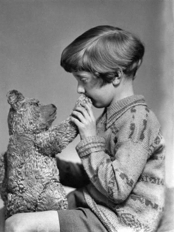40 Must-See Photos Of The Past - The real Winnie the Pooh and Christopher Robin, ca. 1927