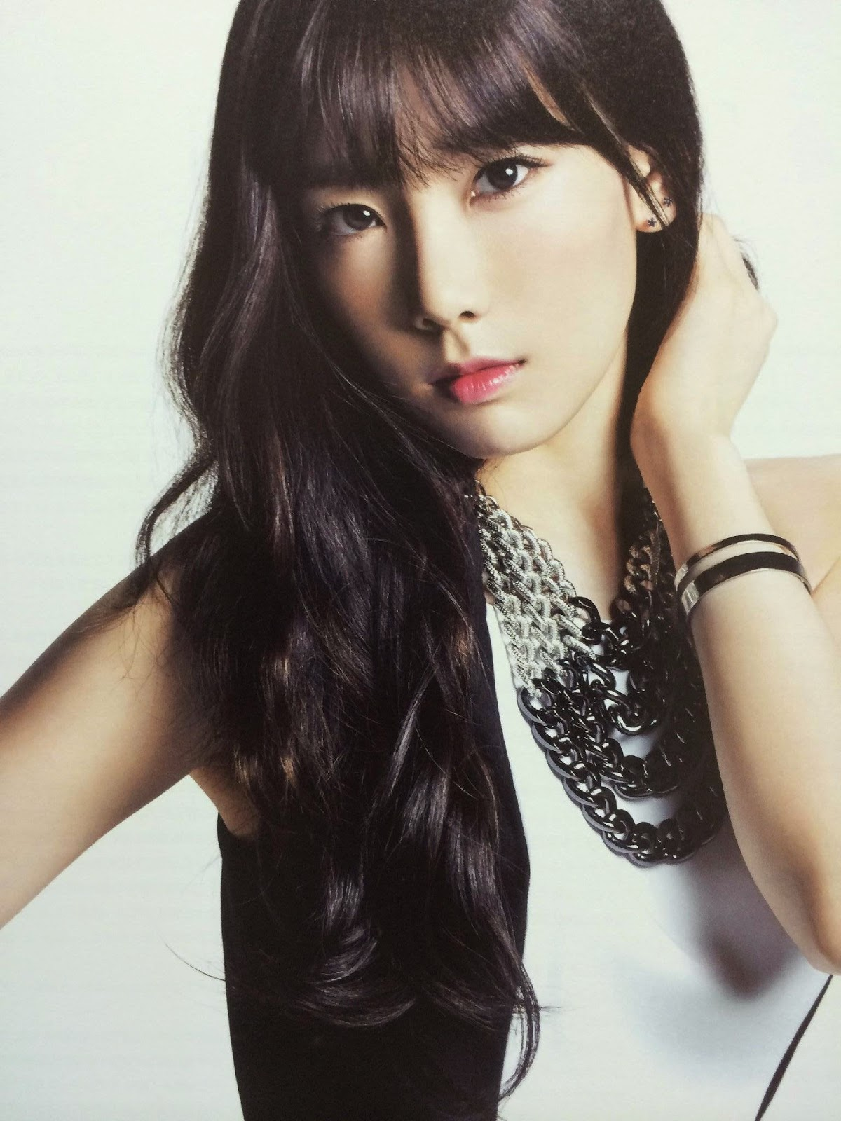 SNSD Taeyeon (태연; テヨン) Girls Generation The Best Scan Photos