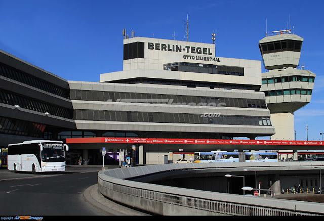 Η διάρκεια των απευθείας πτήσεων από το αεροδρόμιο της Αθήνας προς το αεροδρόμιο του Βερολίνου είναι 3 ώρες.