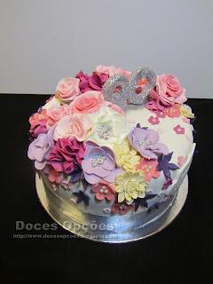 bolo aniversário 90 flores