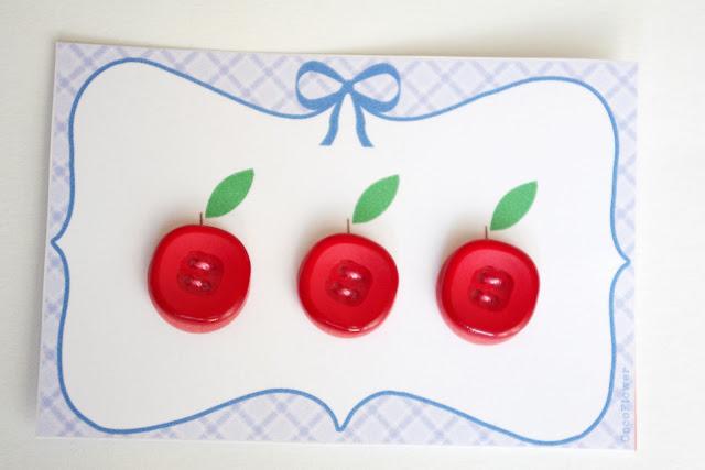 #pommes #bouton #rouge plastique www.CocoFlower.net