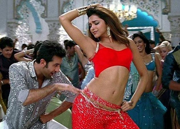 TumbRing: Watch: Ranbir and Deepika groove to 'Dilliwaali ...