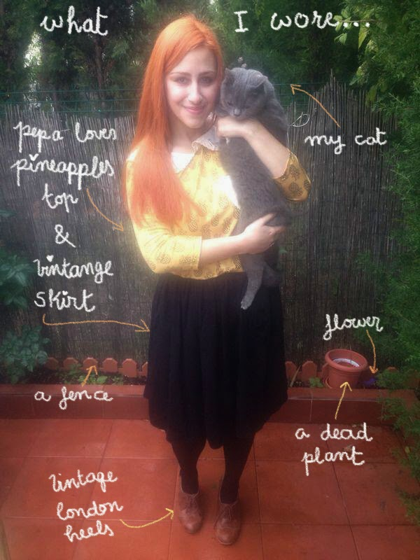 fashionista fashion pelirroja outfit post gato meaw fashion cat plants red hair
