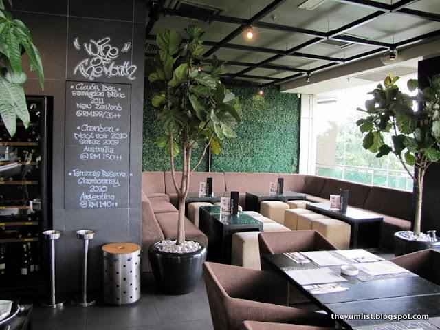 Twentyone Tables + Terrace, Bangsar Shopping Centre