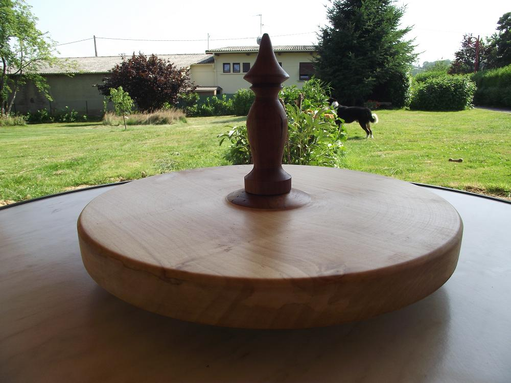 gepeto tourneur sur bois un plateau tournant pour le fromage. Black Bedroom Furniture Sets. Home Design Ideas