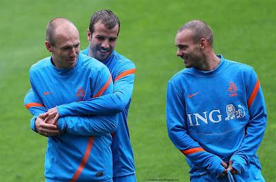 Arjen Robben, Van der Vaart, Wesley Sneijder Netherlands Stars Euro 2012 Hd Desktop Wallpaper