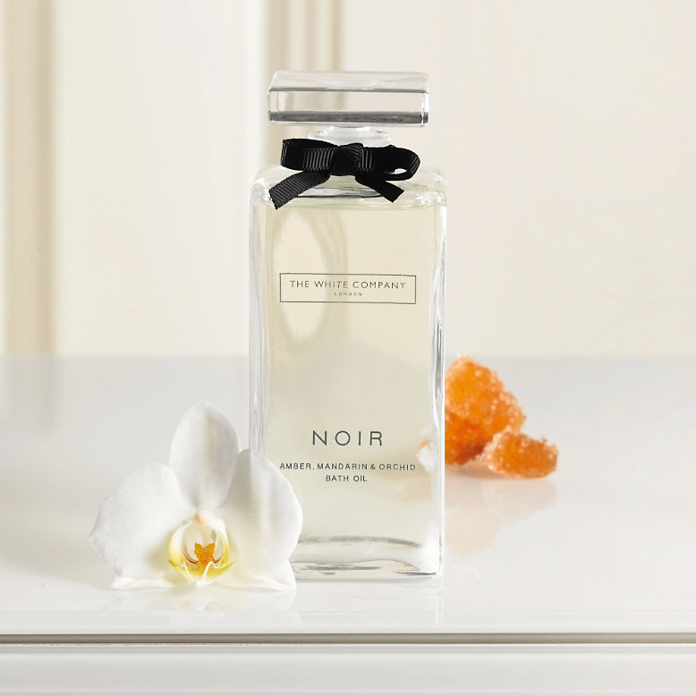 fragrance friday noir by the white company fleur de force