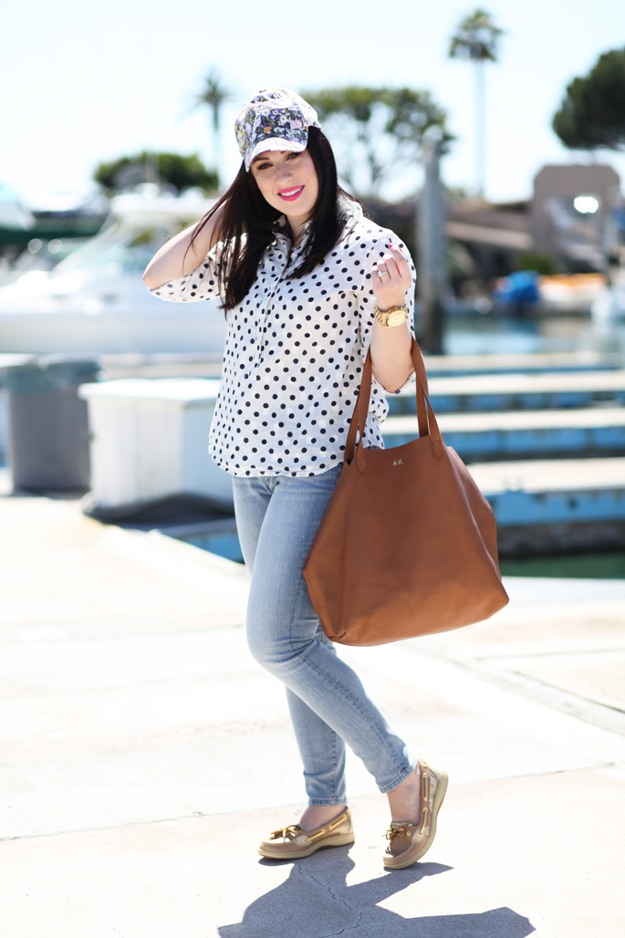 san-diego-yacht-club-loft-denim-jcrew-polkadot-popover-floral-cap-cuyana-tote-sperry-topsider-gold-angelfish-king-and-kind