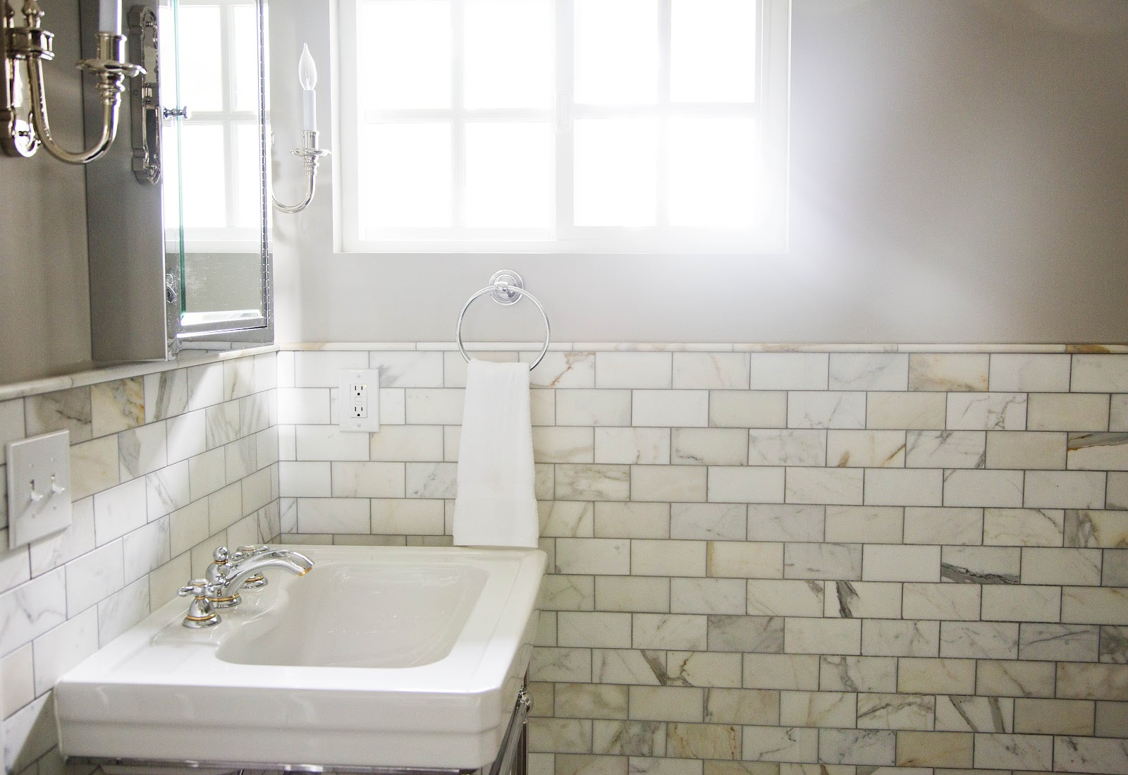 http://2.bp.blogspot.com/-QzxznLoYPZ0/T-PPvLlVolI/AAAAAAAAA48/UYCmgFZdaak/s1600/master+bath+detail.jpg