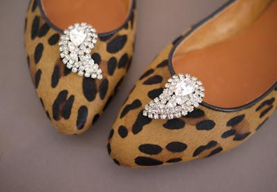 Cómo hacer adornos para zapatos en Recicla Inventa