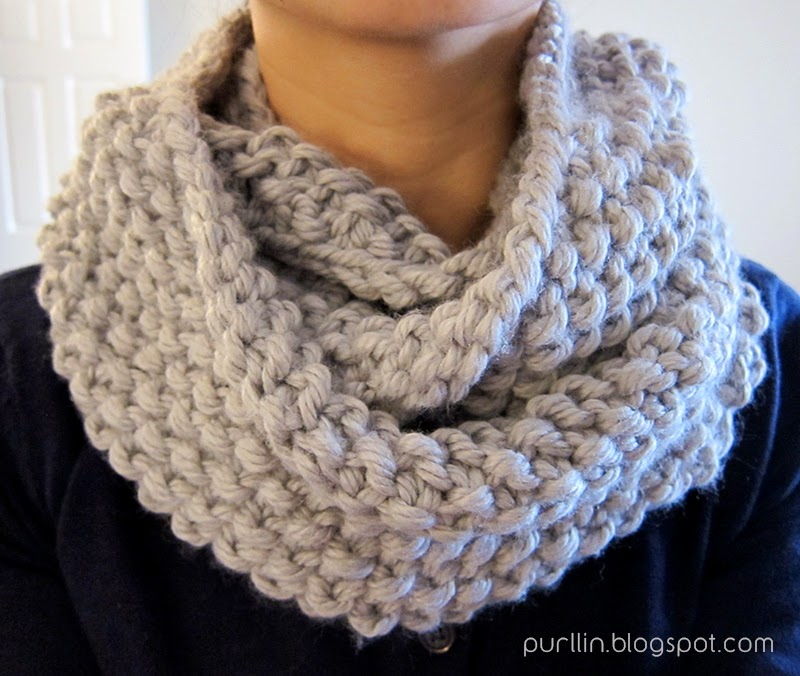 Knitting Pattern For Scarf In The Round : Purllin: December Seed Stitch Infinity Circle Scarf [ free knitting pattern ]