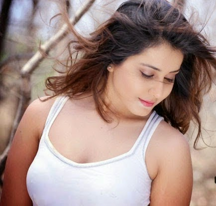 Rashi Khanna Joru Movie latest Hot Photos