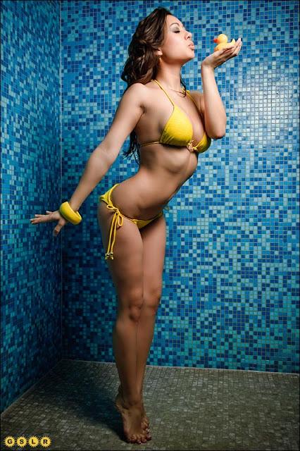 Model Jennifer Jasmin Kurniawan Photo Gallery