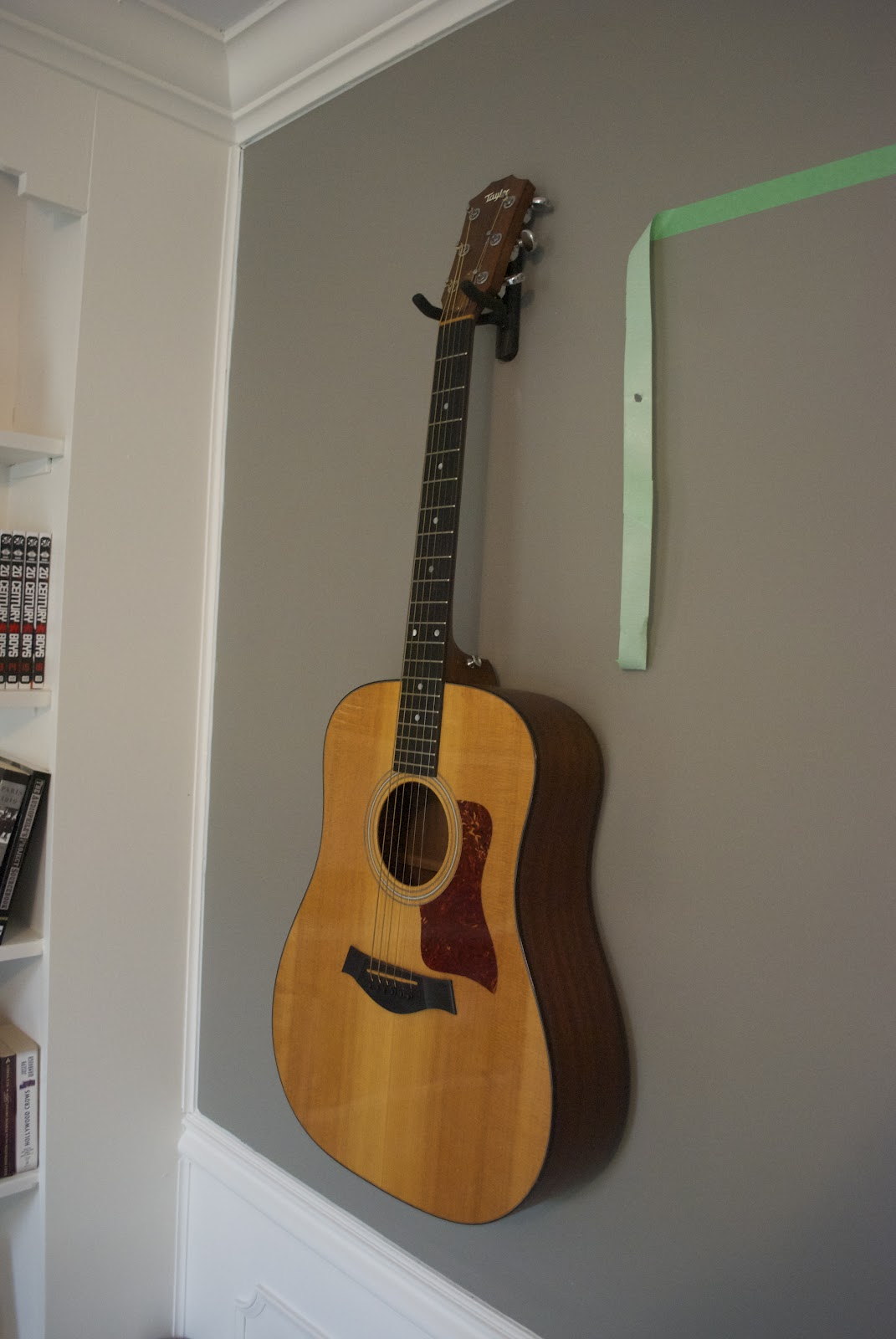 Light Your Guitar Wall Mount : DIY Wall Mount Guitar Holder