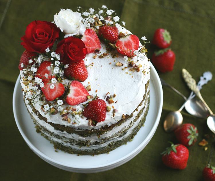vegan matcha sponge cake with strawberries