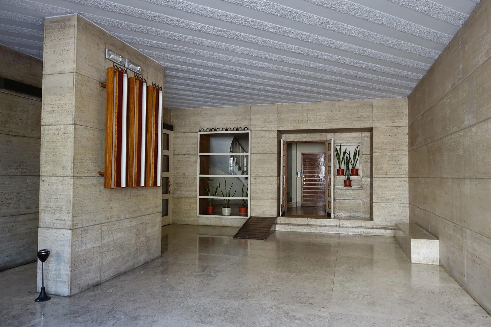 Apartment Building Foyer : Apartment building entryway pixshark images