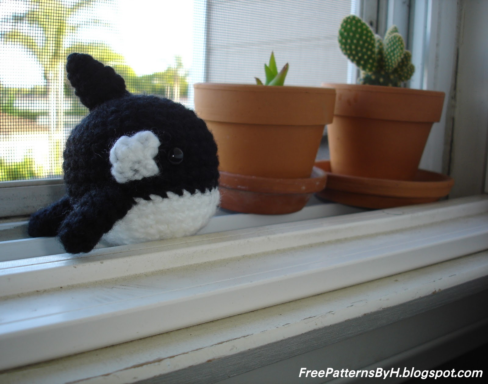 Free Patterns by H: Orca Amigurumi Pattern